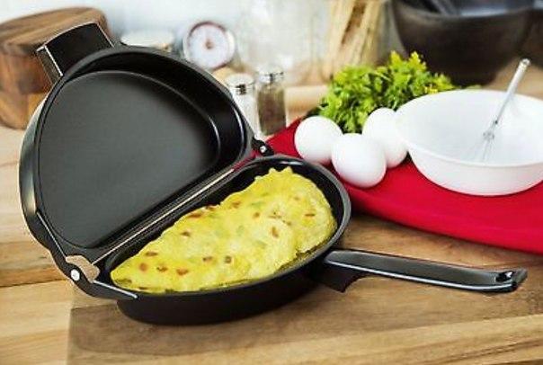 Складная сковородка для омлета!  https://ru.aliexpress.com/store/product/Nonstick-Folding-Omelet-Fry-Pan-Maker-Frying-Breakfast-Egg-Skillet/2035030_32670762018.html?detailNewVersion=&categoryId=100003232