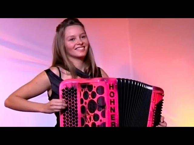 Cool Accordion Girls - accordeon music mix acordeon crazy power players Akkordeon fisarmonica