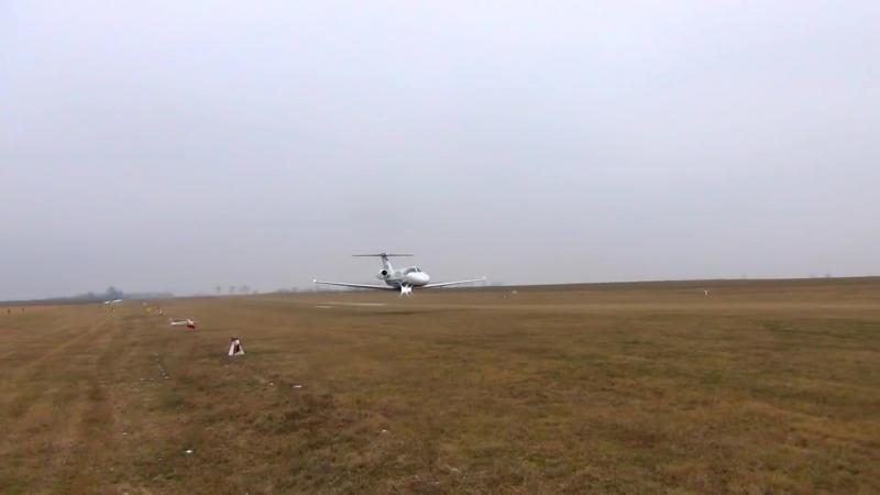 Пролет на низкой высоте на Cessna 525