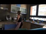 Normal people vs bellydancers cleaning the house