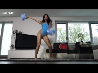 Казашка просто нереально танцует. 18+ Сексуальный танец казашки. мастурбирует, пизду, секс, порно, русское, домашнее