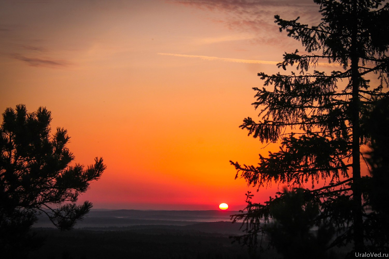 Восход солнца на Красном камне