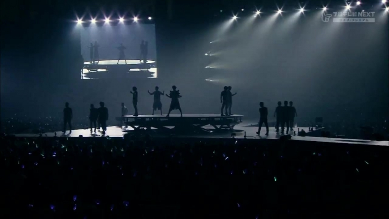 SHINee - Lucifer (ft. Luhan) [SMTown Live World Tour III in Tokyo fujiNEXT]
