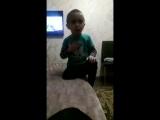 Мальчик зачитал свои права своей маме