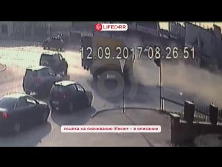 Момент смертельного ДТП во Владимире попал на камеры наблюдения