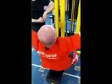 Упражнение на спину. Хорошо развивает широчайшие мышцы спины.