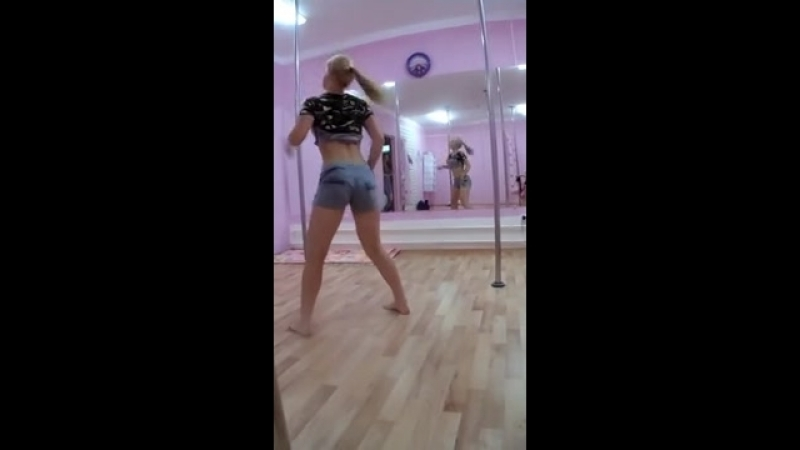 Jeans on This Sexy Pretty Girls Ass Twerk Room Best Booty Shaking Here