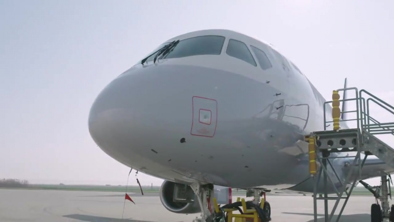 Покраска SSJ100 а\к CityJet в цвета Брюссельских авиалиний via SuperJet Int.