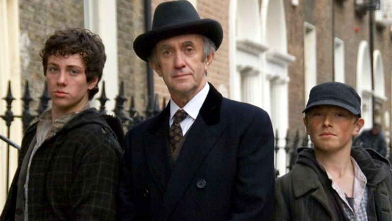 Шерлок Холмс и чумазые сыщики с Бэйкер-стрит 2007 в рол. Джонатан Прайс, Аарон Тейлор Джонсон