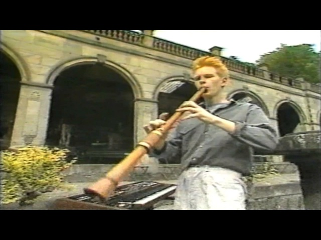 Depeche Mode - Everything Counts (Hold Tight - Granada TV, 16-08-1983)