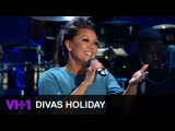 Vanessa Williams Performs