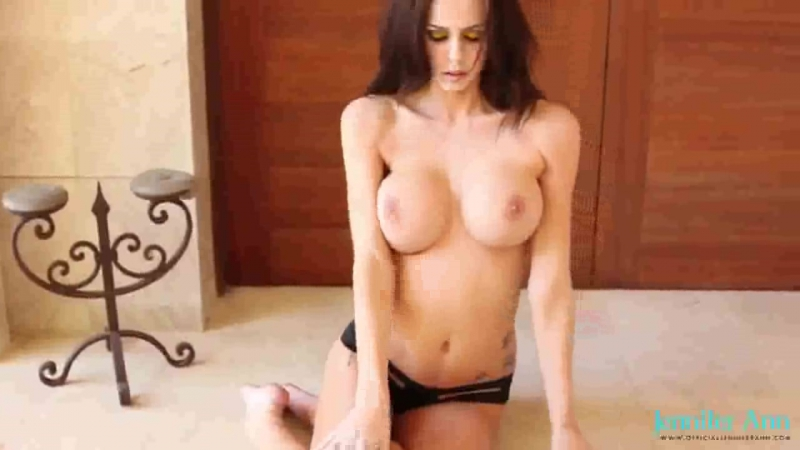 Секси брюнетка показывает киску, белье , секс порно , сиськи попа, анальное, раком, mofos brazzers lisa ann porno минет дрочит