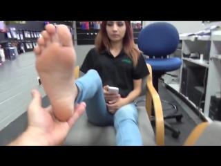 Красивая девушка  показываеи свои нежные ножки боссу + носочки (feet socks teen girl sexy foot)