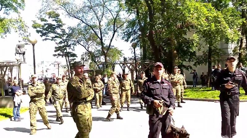 Казаки и обезьяны на митинге 12 июня Владивосток