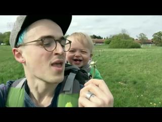 У этого ребенка невероятно заразительный смех