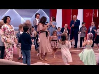 Жасмин и Маргарита Шор - Счастливая песня (Первый канал: Пусть говорят)