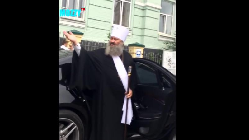 Новая Полиция остановила Батюшку. Полиция против Батюшки
