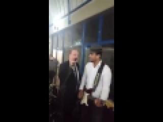 Chico Pinheiro cantando hino do Galo!