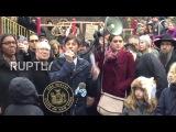 США: Ад-Рок Бисти Бойз ведет митинг против ненависти в Адам Яух Парк.