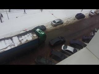 Вот как паркуются блондинки. #Воронеж