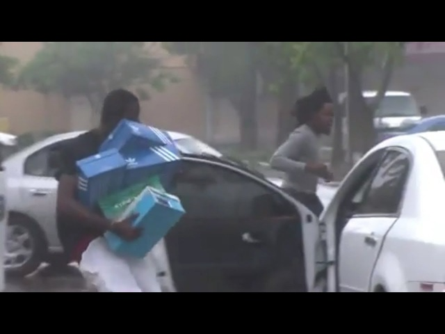 Nigger looters In Hurricane Irma Rescuing Jordan Nikes And Addidas In Fort Lauderdale