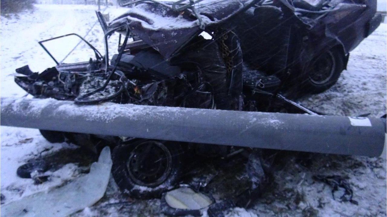 Два человека погибли вДТП с грузовым автомобилем под Брянском