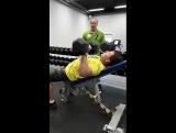 Тренировка на грудные группы мышц
