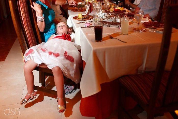 SeQxOL4dogY - Эмоции детей на свадьбе