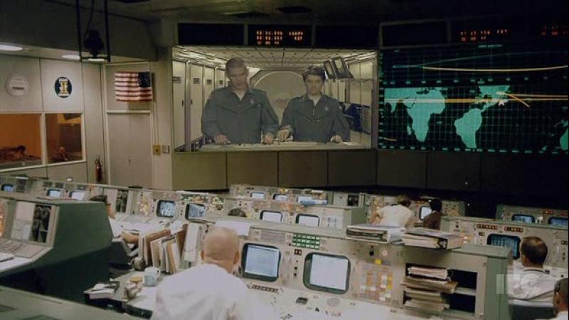 Неудачный розыгрыш на космической станции (Городские приматы)