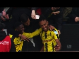 Top 10 Moments - March 2017 – Chicharito's Stalker, Hummels' Tackle  Auba's Show