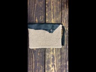 Вязаный клатч с элементами из нежнейшей натуральной кожи зеленого цвета.  Ручная работа🙌✂🔨 4570 рублей 69€  Доставка по всему ми