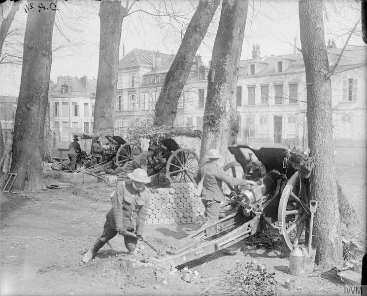 Британские 4,5-дюймовые (114мм) гаубицы в Аррасе, 29 марта 1917