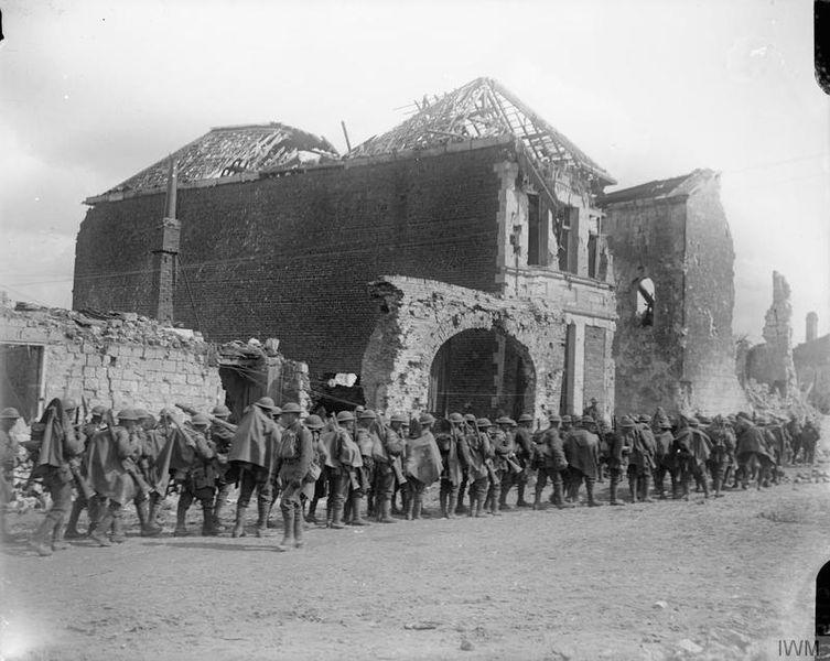 Британские солдаты в Аррасе, 9 апреля 1917г
