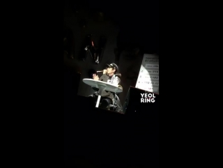 [FANCAM] 161124 EXO's Chanyeol Singing @ SM Coex Artium