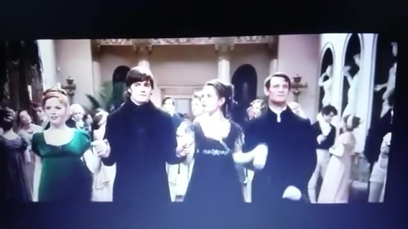 Удаленная сцена танца из «Гордость и предубеждение и зомби» (3)