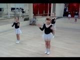 Наши юные танцовщицы. Танец ЧЕБУРАШКА