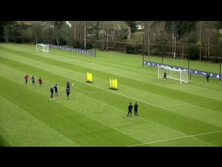 Thibaut Courtois scores incredible free-kick in Chelsea training