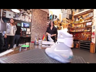 Реальные самозашнуровывающиеся кроссовки как в фильме «Назад в Будущее»