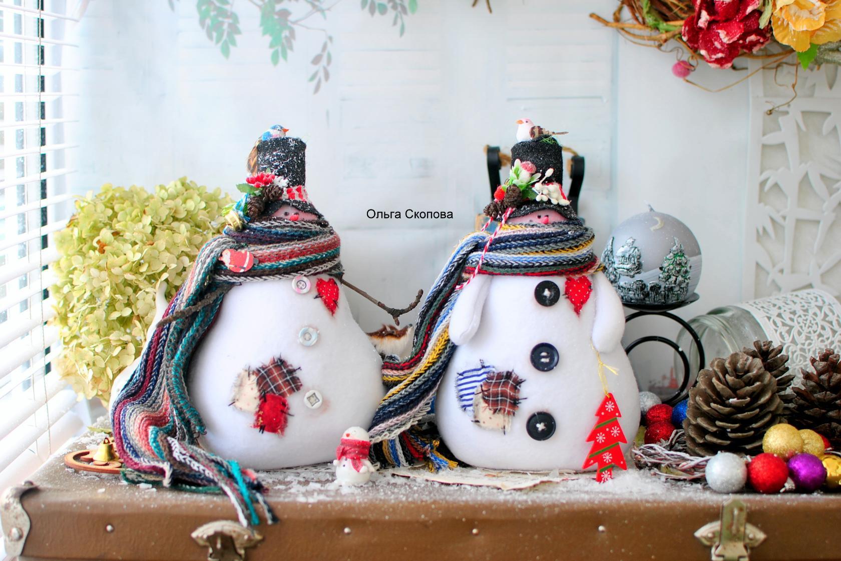 Снеговики из ткани