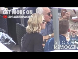 Charlize Theron is having lunch at restaurant the Martinez beach in Cannes (23.05.2017)