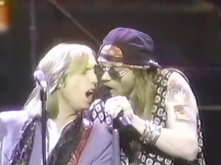 Tom Petty & Axl Rose - Live ᴴᴰ Free Fallin + Heartbreak Hotel (MTV Video Music Awards)