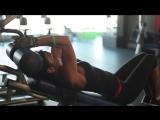 Тренировка на мышцы груди и пресса