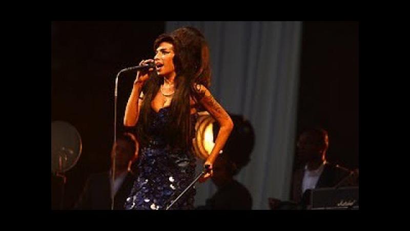 Amy Winehouse live at Glastonbury Festival 2008 (Full Concert)