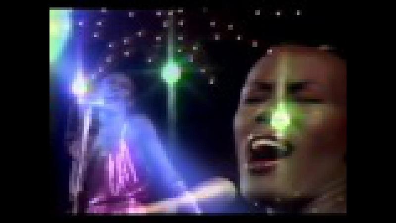 Grace Jones - La Vie En Rose (Extended Version) Official Video