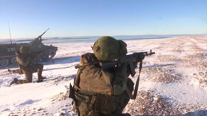 Арктические мотострелки СФ высадились на остров Голомянный архипелага Северная