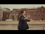 В этом клипе прекрасно всё: музыка, слова, контекст и конечно же танцующий Уткин)) БИРТМАН -