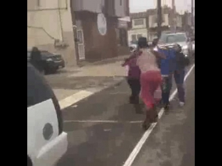 SMH: 3 CHICKS JUMP A WOMAN THAT ONLY HAS 1 ARM!