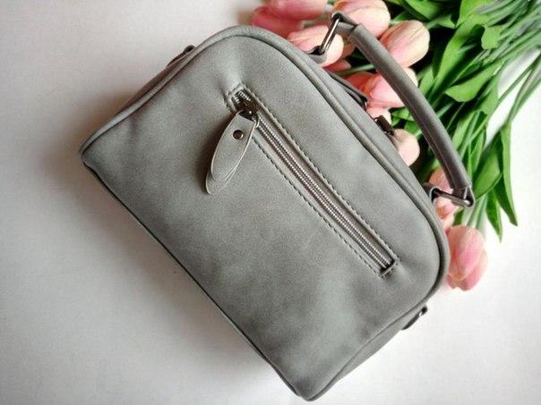 https://ru.aliexpress.com/item/High-quality-numbuck-leather-women-handbag-fashion-women-shoulder-bag-female-winter-bags/32734971197.html Очередной стильный, серый аксессуар, который пополнил мою небольшую коллекцию