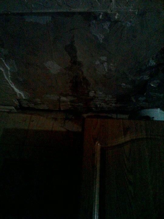 Что делать если соседи которым сдают квартиру постоянно заливают делали ремонт уже не один раз,они скоро на нас рухнут