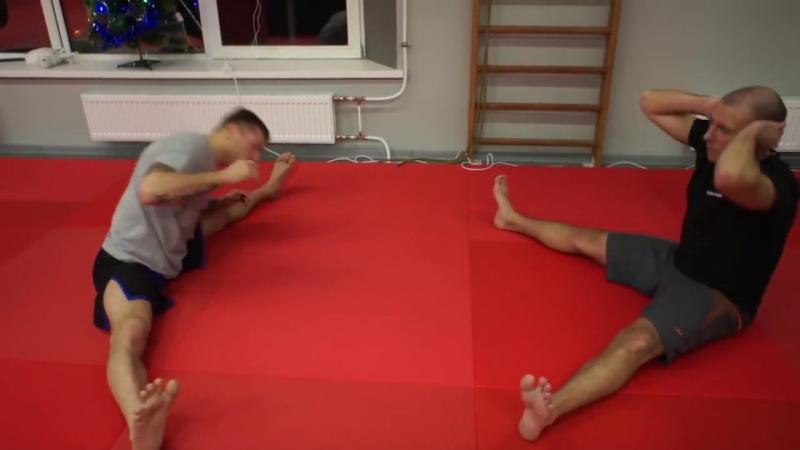 Урок растяжки для бойца — зачем шпагат для ударов ногами Андрей Басынин о растяж